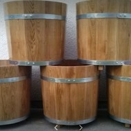 MASIVNI HRASTOVI CVJETNJACI / Oak vats for exteriors and interiors