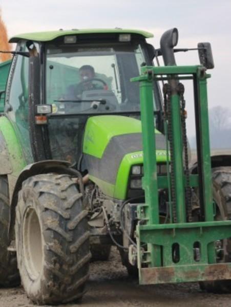 Osim kombajna i traktora Dražen ima i 17-ak drugih strojeva